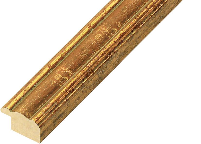 Corner sample of moulding 152OCRA