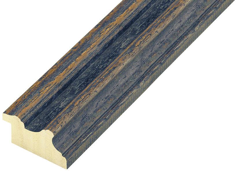 Corner sample of moulding 383BLU