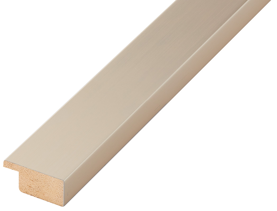Straight sample of moulding 30PLATINO