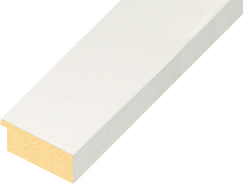 Straight sample of moulding 40BIANCO