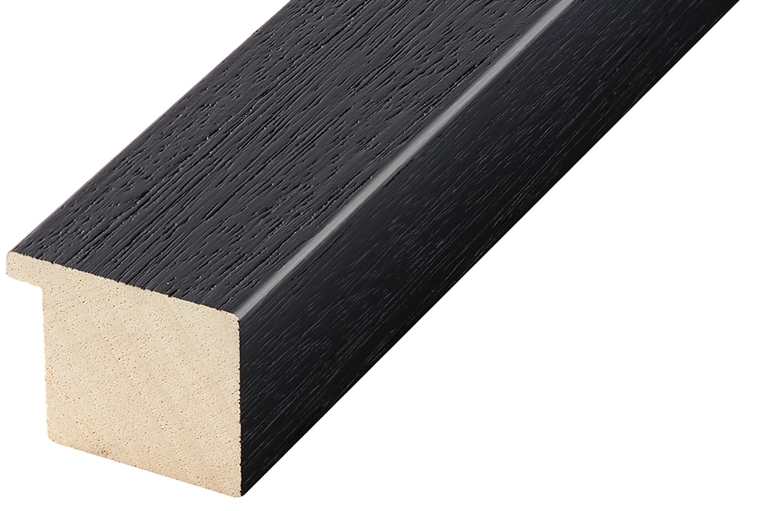 Straight sample of moulding 742NERO
