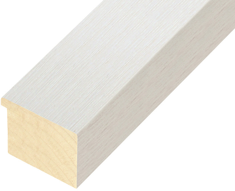 Straight sample of moulding 751BIANCO