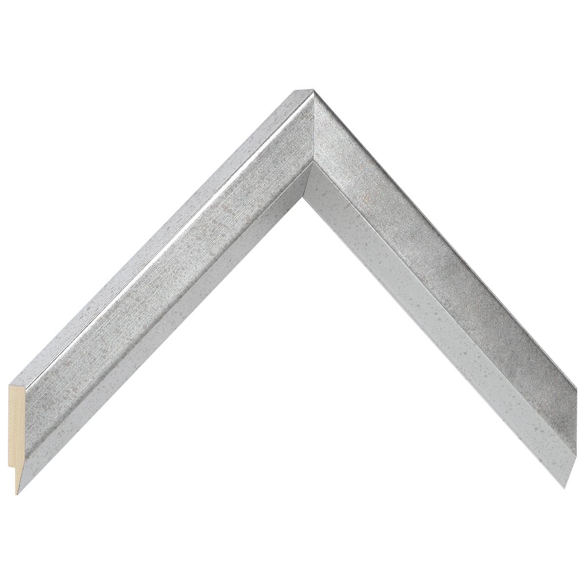 Corner sample of moulding 128ARGANT