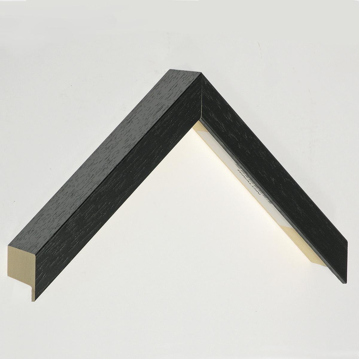Moulding ayous Width 20mm Height 45 - black, open grain